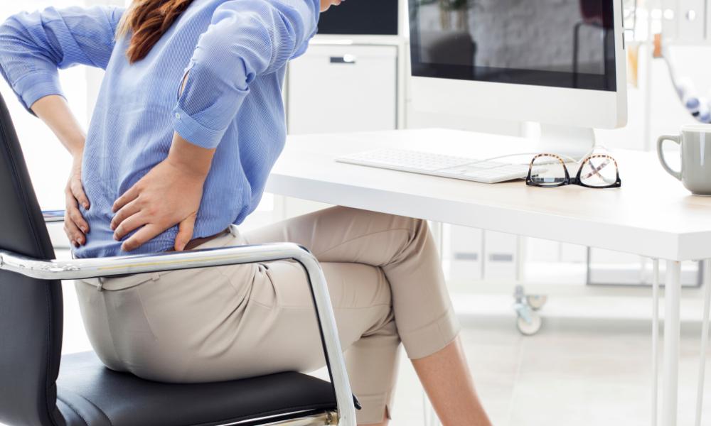 Mit 5.000 Nadeln gegen Rückenschmerzen und Verspannungen