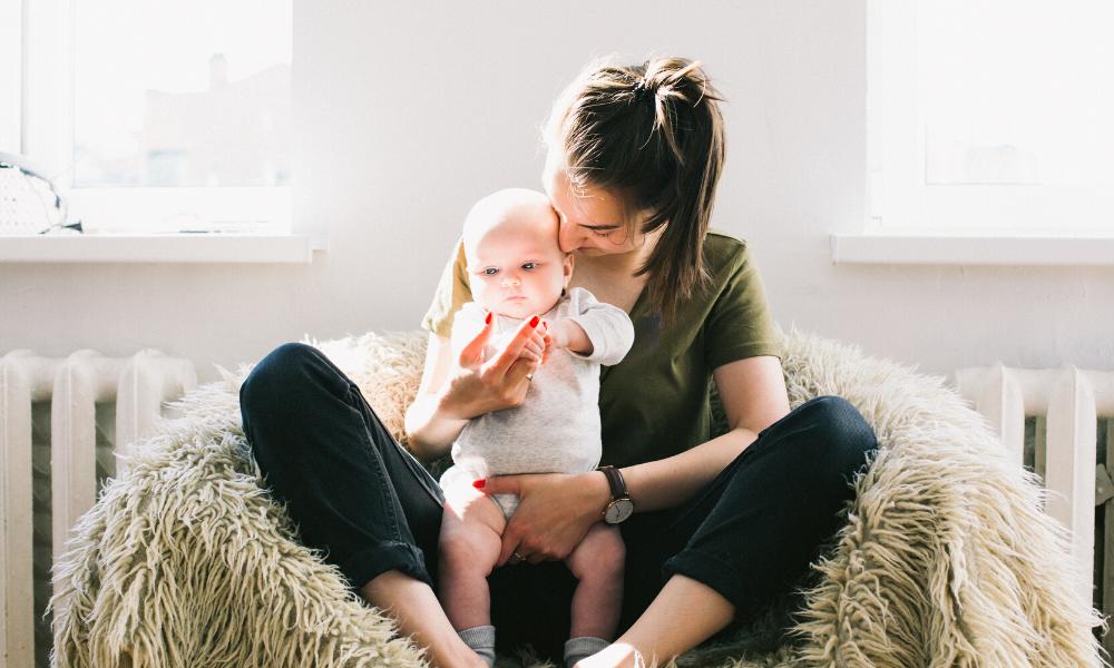 Bindung – wie deine Kindheit dein Leben, deine Gesundheit und deine Beziehungen beeinflusst. | #205